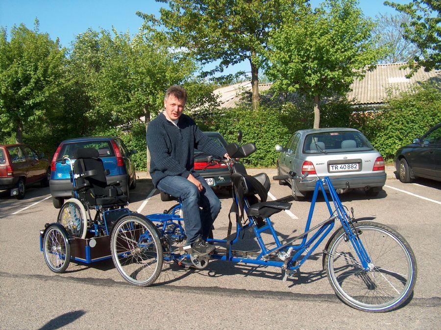 Billedet Tandemcykel 3-hjulet med anhænger.