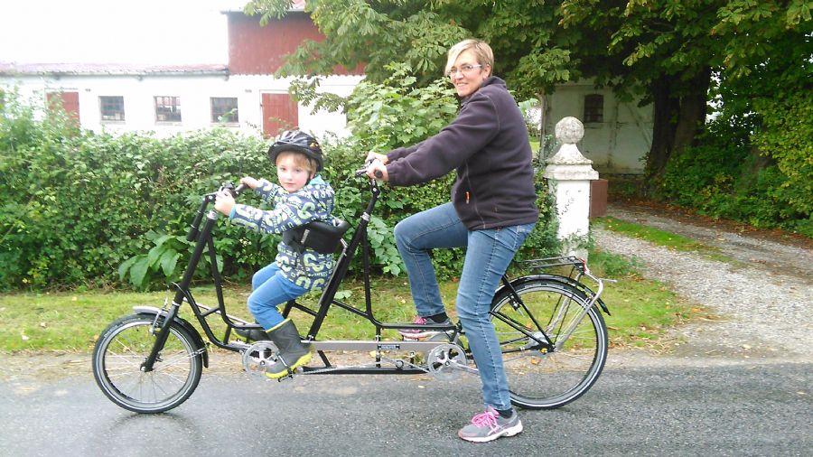 Billedet Tandem cykel fra dan-kunst på youtube.