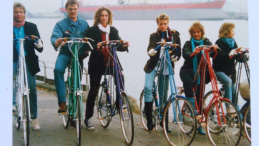 Billedet B&W værft bagerst 30 år siden.