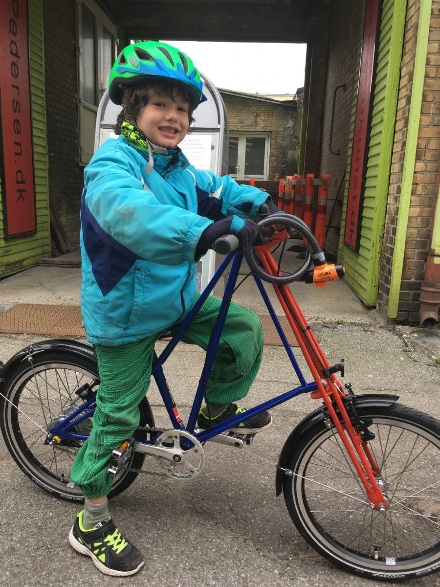 Billedet Mr.Pedersen cykel barn