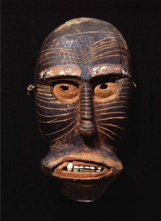 Det forhistoriske menneske skabte æstetiske symboler mindst to steder ...